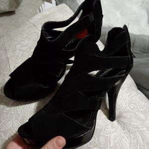 Strapy Heels!!